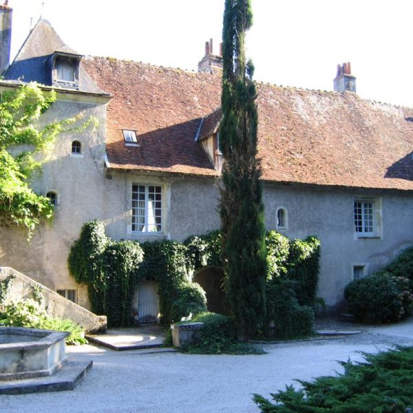 Residences and French castles where you can stay: Tours's area